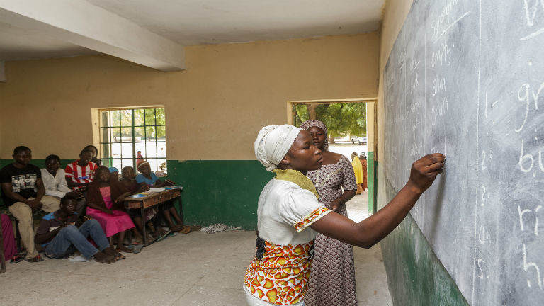Nigeria: responding to the education needs of displaced children