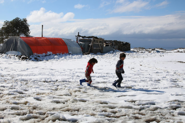 Winter: a desperate struggle for children in Syria
